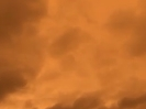 orangfarbener Himmel